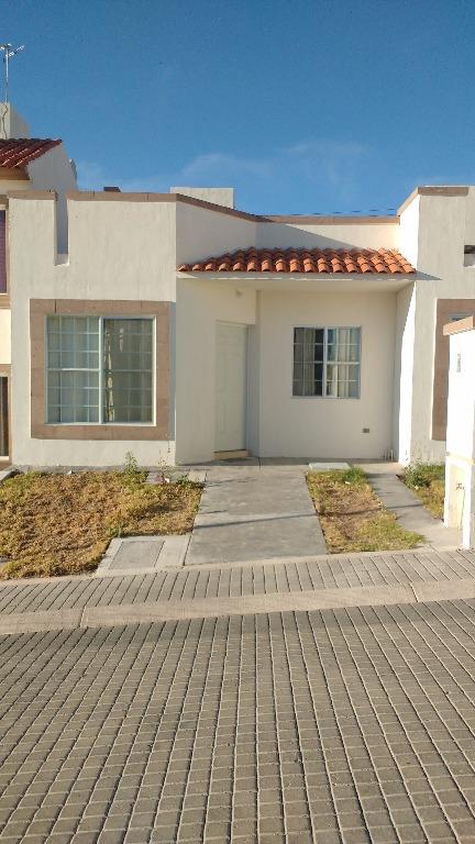 Casa En Renta San Gerardo Aguascalientes 2 Habitaciones